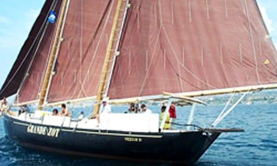 Charter A 52ft