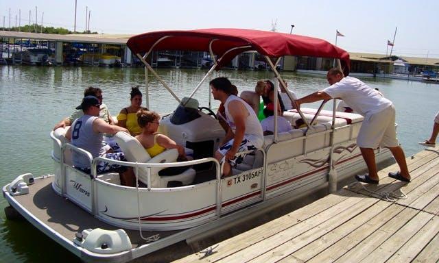 22' Pontoon Hourly Rental on Lavon Lake