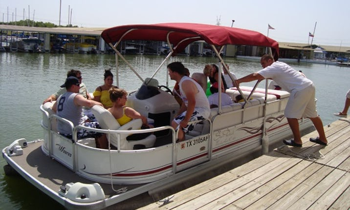 22' Pontoon Hourly Rental on Lavon Lake