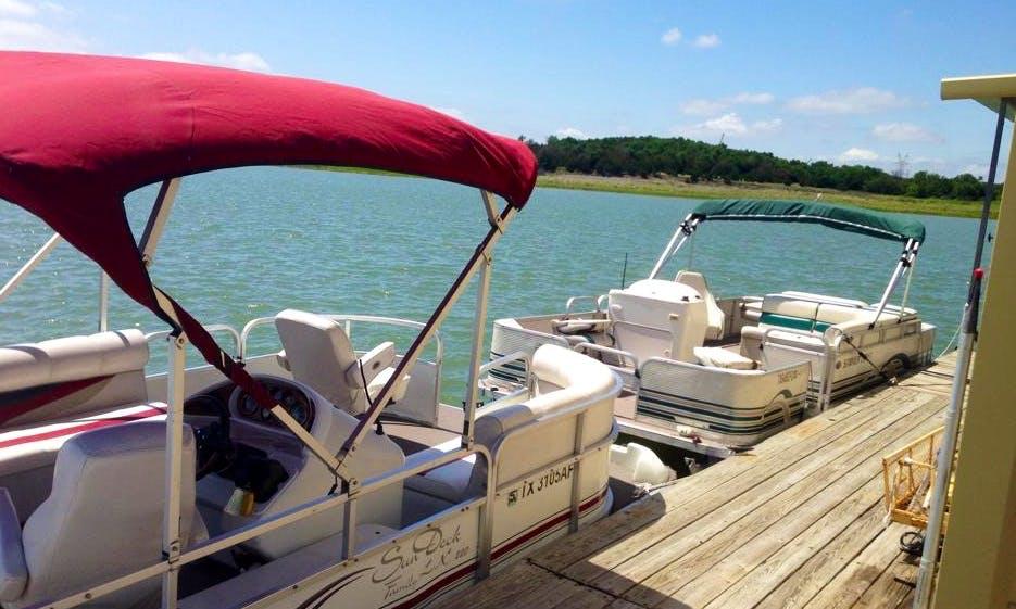 20' (8 Adult) Pontoon Rental on Lavon Lake