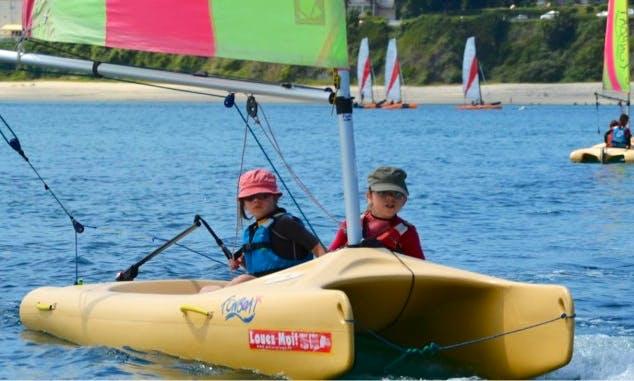 13' FunBoat Beach Catamaran Rental in Crozon