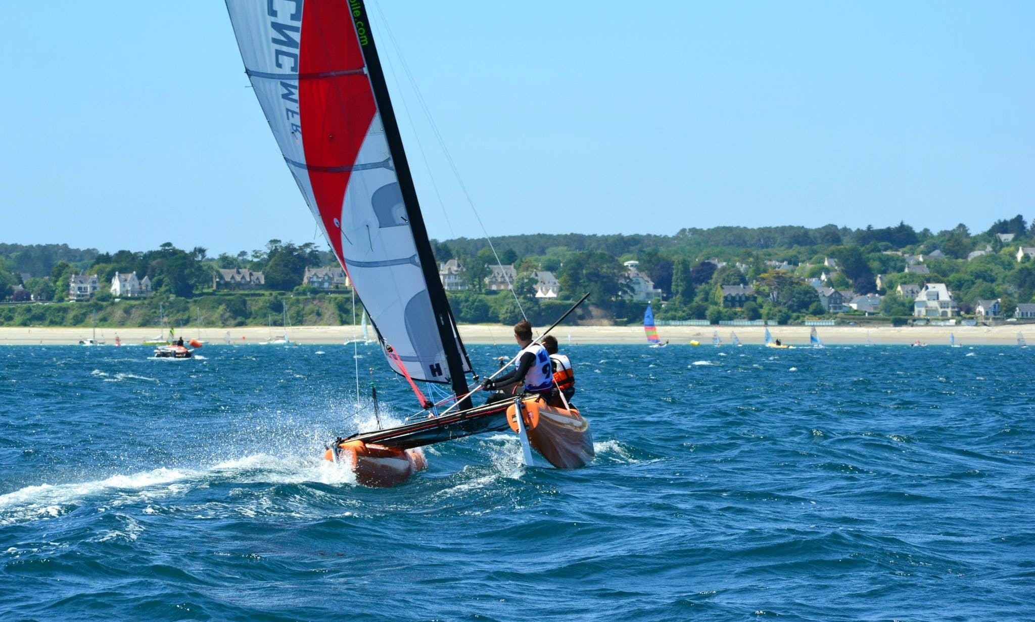 Topaz 16 Beach Catamaran Rental in Crozon