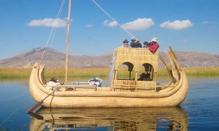 Floating Tour In Uros Islands