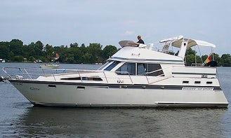 'Gitte' Motor Yacht Charter in Groß Kreutz