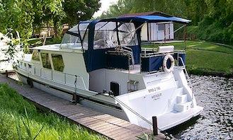 'Galethea' Motor Yacht Charter in Groß Kreutz