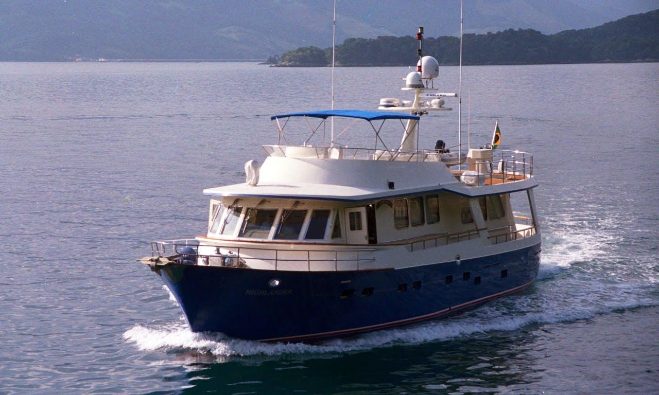 Charter this Highlaner Trawler MacLaren in Guarujá