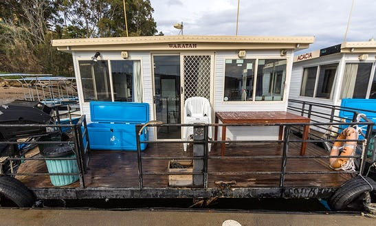 'waratah' Standard Houseboat Hire In Clyde River