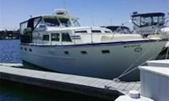38' Motor Yacht