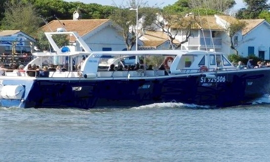 'azur' Boat Cruises In Agde