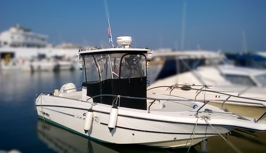 24' Center Console Fishing Trips In Leverano, Italy
