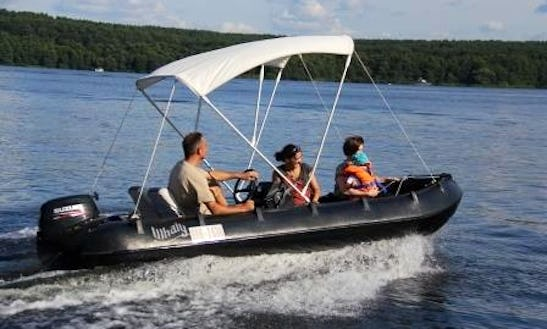 Rent Whaly 435 Powerboat In Potsdam