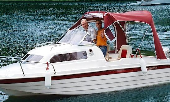 Rent Powerboat Aqualine 520 In Potsdam
