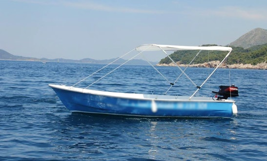 16' Panga Boat Rental In Orašac