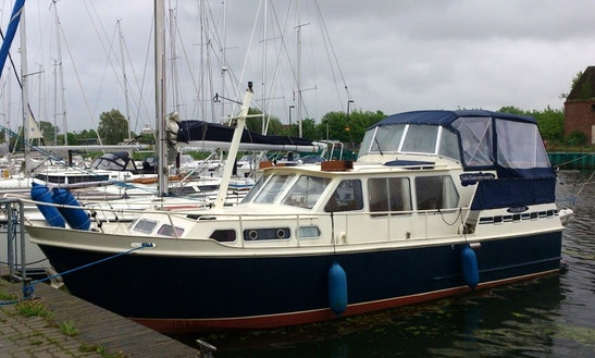 Charter A 3 Cabin Motor Yacht For 6 Person In Greifswald, Germany