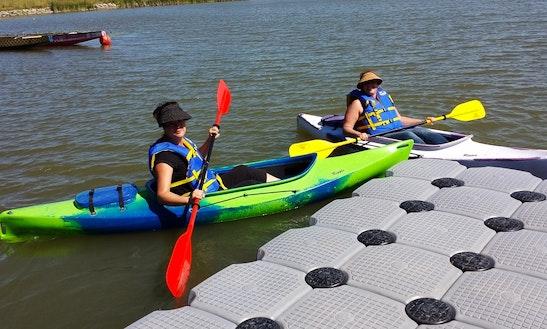Single Kayak Rental In Lincoln, Canada