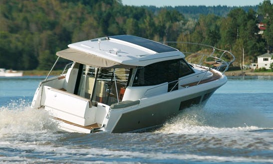 Rent The 31' Jeanneau Nc Yacht In La Rochelle