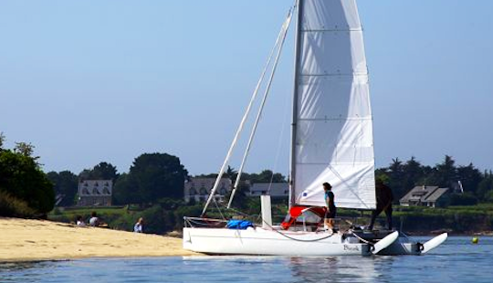 21' Beach Catamaran Rental In La Rochelle