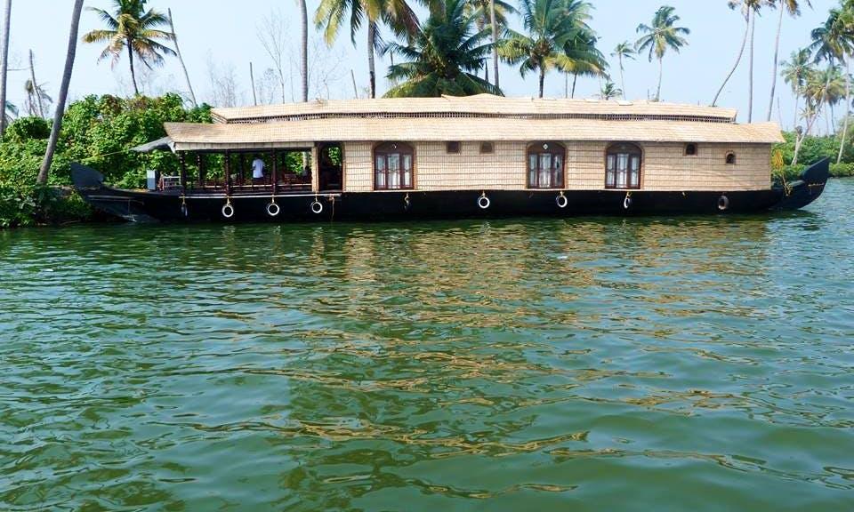 Three Bedroom Houseboat in Kumarakom