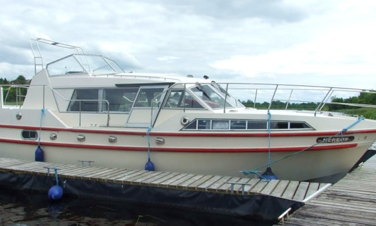 Prima 39 Motor Yacht Chaters In Fermanagh, United Kingdom