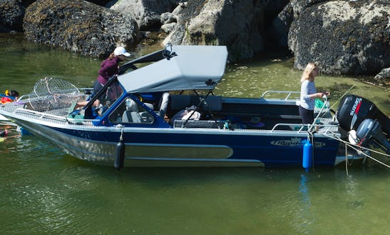 20' Passenger Boat Trips In Southern Gulf Islands, Canada