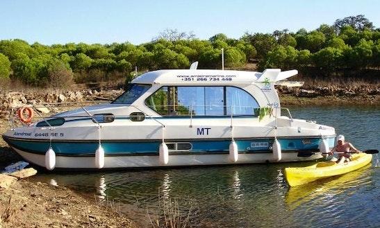 'nicols 1010' Motor Yacht Hire In Amieira Marina