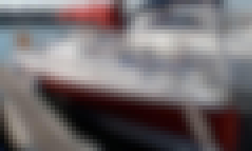27' Cruising Monohull POGO Rental & Trips in Larmor-Plage, France