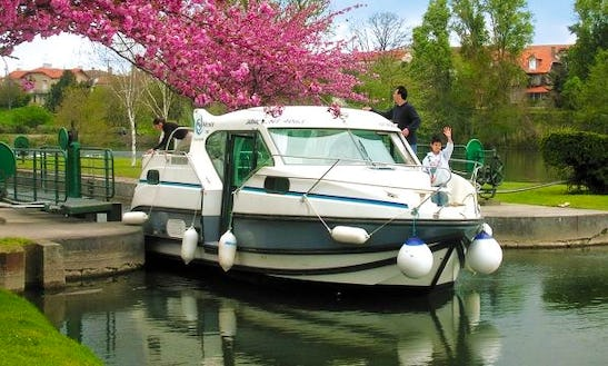 Have An Amazing Time Boating In Bouzies, France