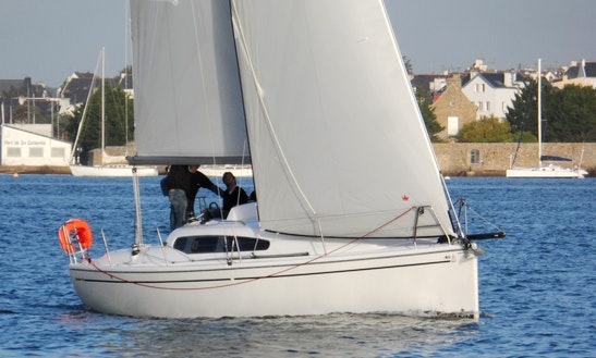 Dehler 32 Beach Monohulls Rental & Trips In Larmor-plage, France