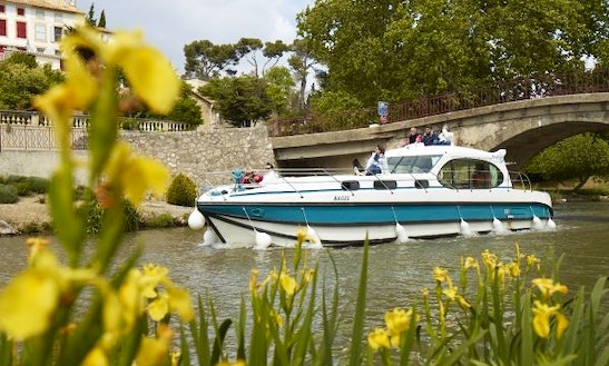 Boating Holiday On 44' Motor Yacht For 10 Person In Bouzies, France