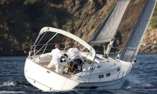 Bavaria 32 Cruising Monohull Rental & Trips In Larmor-plage, France