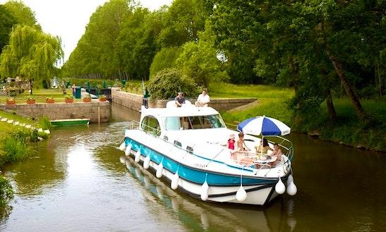 'nicols 1010' Motor Yacht Hire In Buzet-sur-baïse