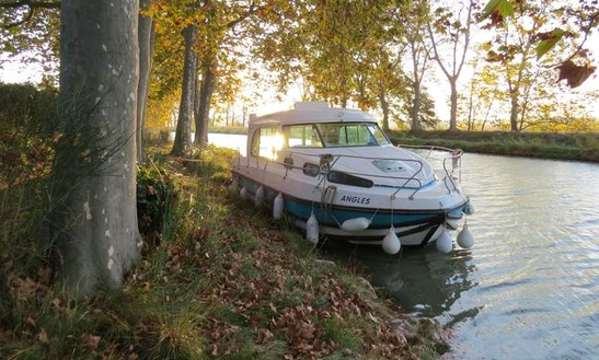 'nicols 1160' Motor Yacht Hire In Sablé-sur-sarthe, France