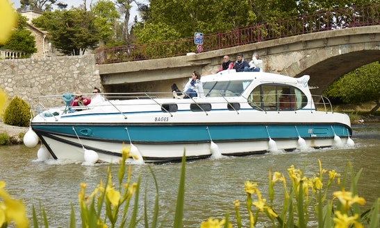 'estivale Sixto' Motor Yacht Hire In Le Somail