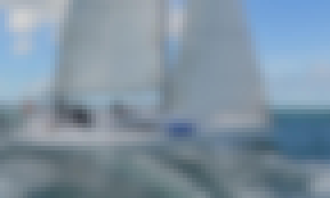 Cruising Monohull A35 Rental & Trips in Larmor-Plage, France