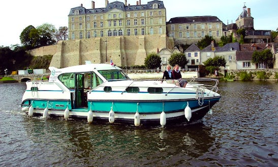Explore Nevers Plagny, France On A 36' Motor Yacht