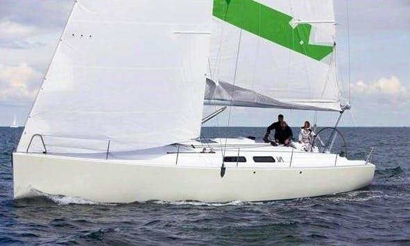HANSE Varianta 44 Cruising Monohull Rental & Trips in Larmor-Plage, France