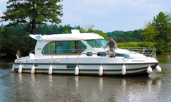 'nicols 1010' Motor Yacht Hire In Bellegarde, France For 8 Friends