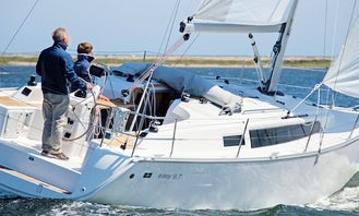 "Charter the Bavaria 33s Easy ""Sandy Spit"" Sailboat in Lelystad"