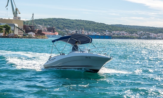 Quicksilver Commander 555 Rental In Trogir