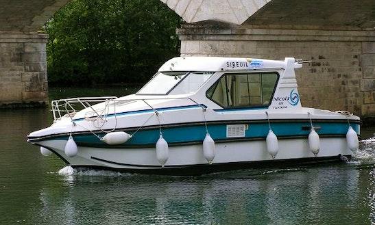 'nicols 800' Cuddy Cabin Boat Hire In Venarey-les-laumes