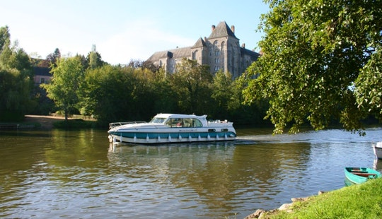 Explore Bourgogne, France On A 'confort 1350' Motor Yacht