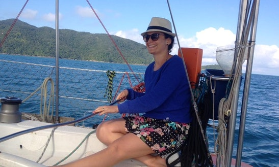 Yacht Soneca 33´ Cruise Or Diving Class In Ubatuba