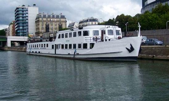 75' Passenger Boat Charter In Paris, France