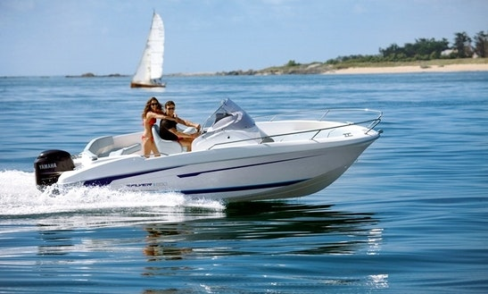 19' Open Flyer Boat Hire In Cabourg