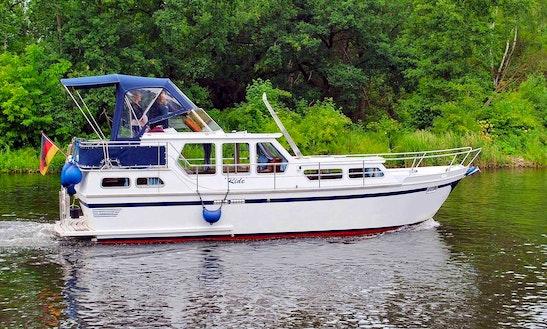 'ride' Motor Boat Hire In Hohen Neuendorf