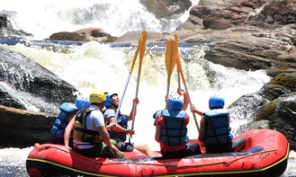 Rafting with pros in São Luís do Paraitinga, Serra do Mar, SP