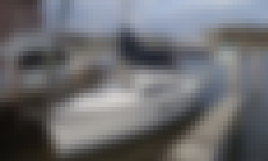 34' Hunter Cruising Monohull In Rock Hall, Maryland United States