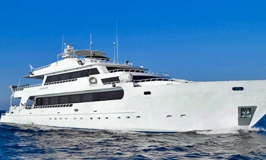 M/y Hurricane Liveaboard In Red Sea
