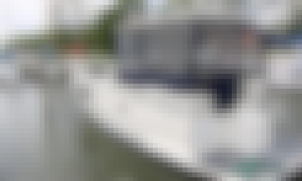 'Calipso 750' Motor Boat Rental in Giżycko