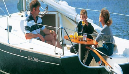 20' Sun 2000 Di Sloop Rental In La Foret-fouesnant, France